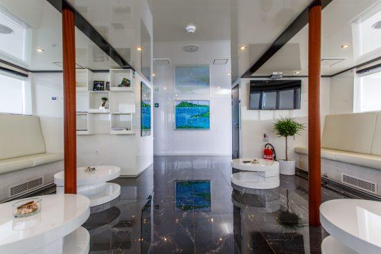 MS Ban Indoor Lounge